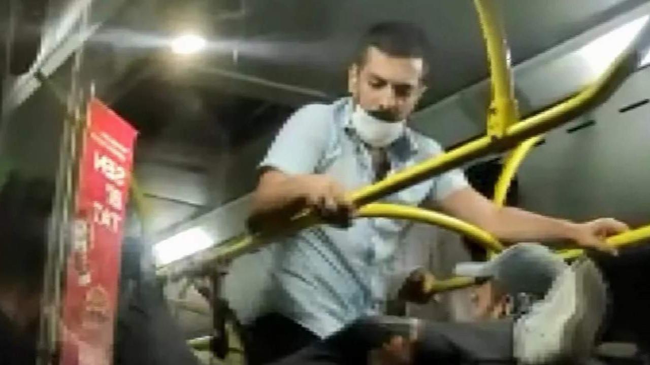 İstanbul'da belediye otobüsünde ''maske'' kavgası