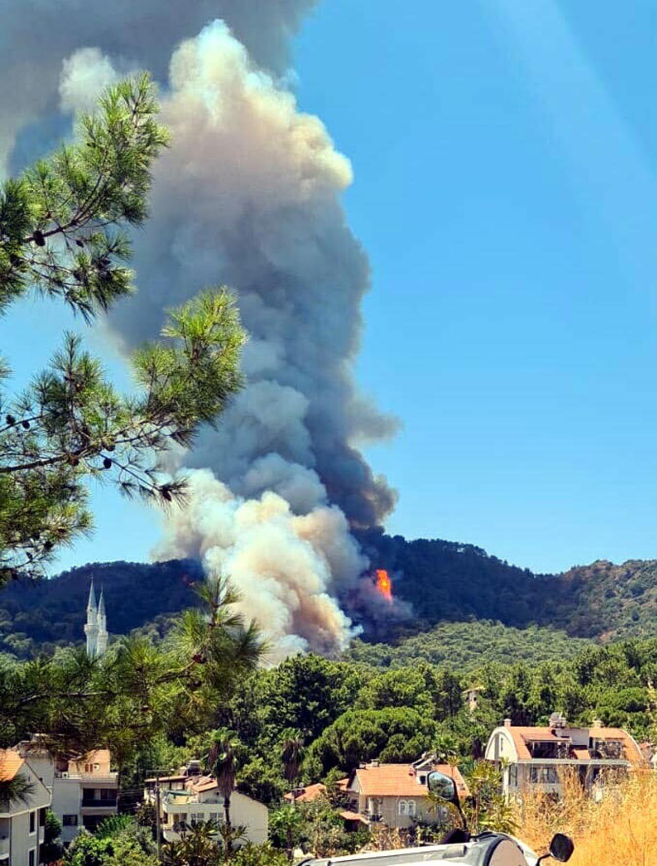 Marmaris'te korkutan orman yangını: Bazı oteller ve villalar tahliye edildi - Resim: 4