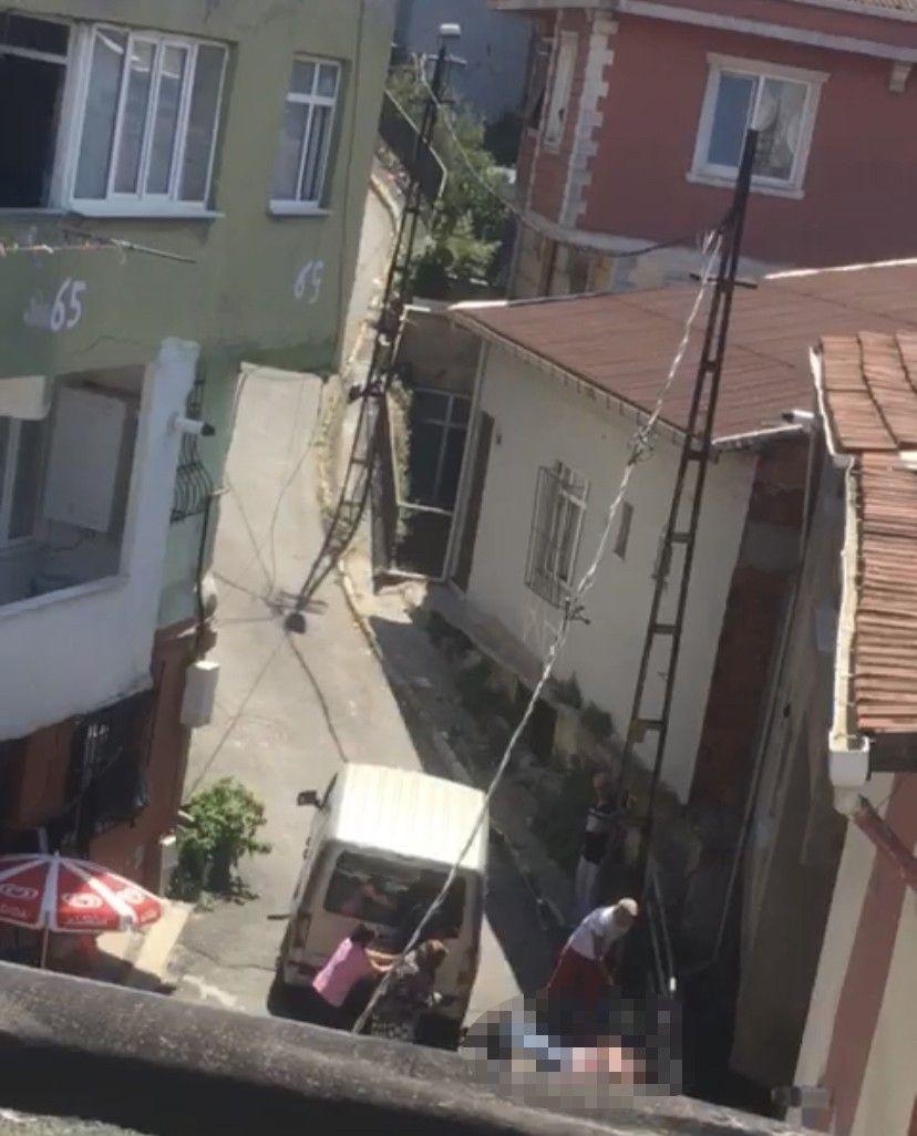 İstanbul'da 4 kişinin öldürüldüğü kavganın görüntüleri dehşete düşürdü - Resim: 2