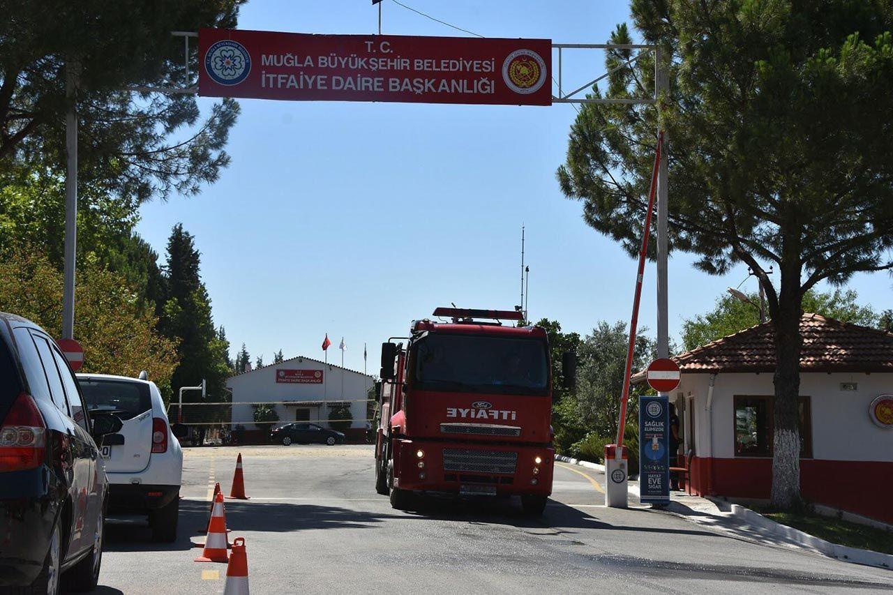 Marmaris'te korkutan orman yangını: Bazı oteller ve villalar tahliye edildi - Resim: 3