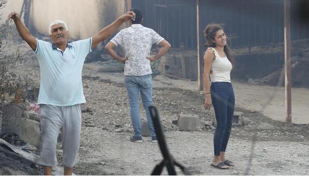 Manavgat'taki yangın evleri kül etti - Resim: 4