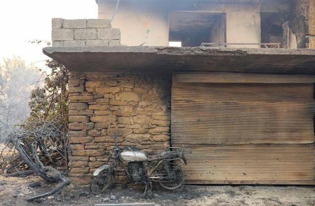 Manavgat'taki yangın evleri kül etti - Resim: 3