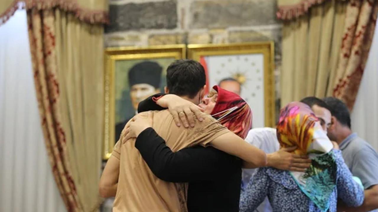 Diyarbakır'da oturma eylemi yapan 3 aile evlatlarına kavuştu