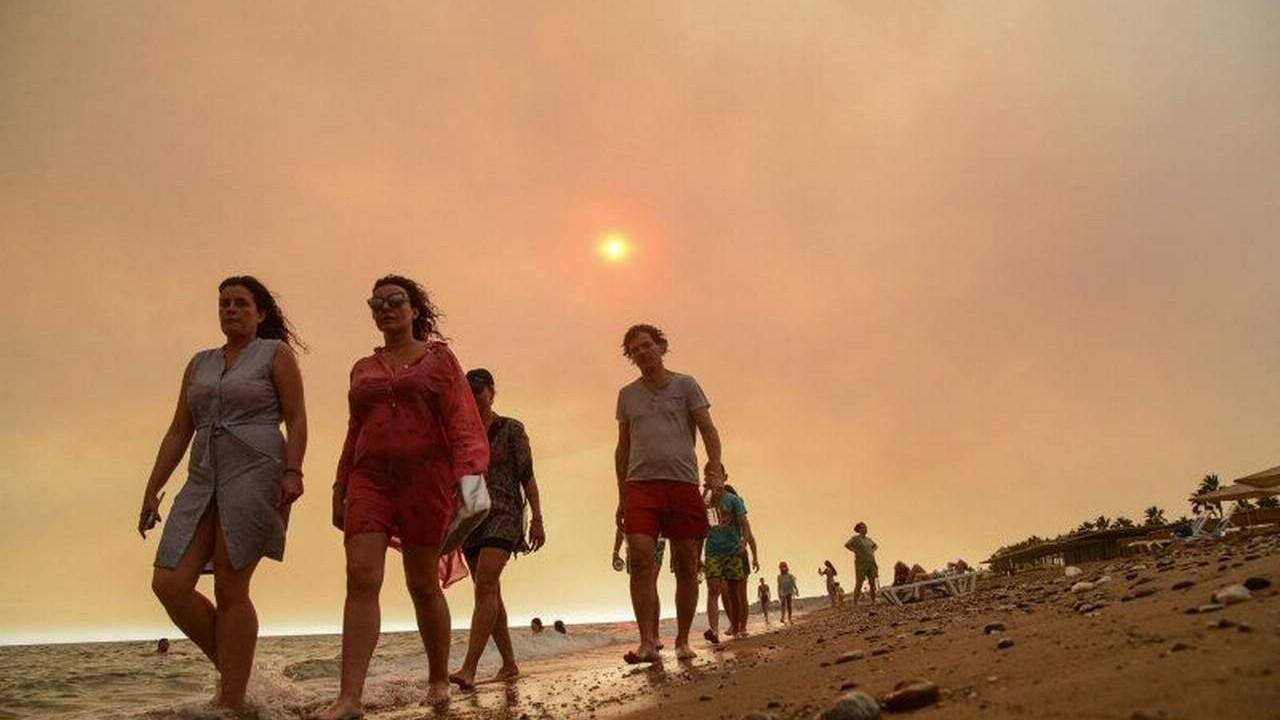 Dünya basını Türkiye'deki yangınları bu fotoğraflarla gördü