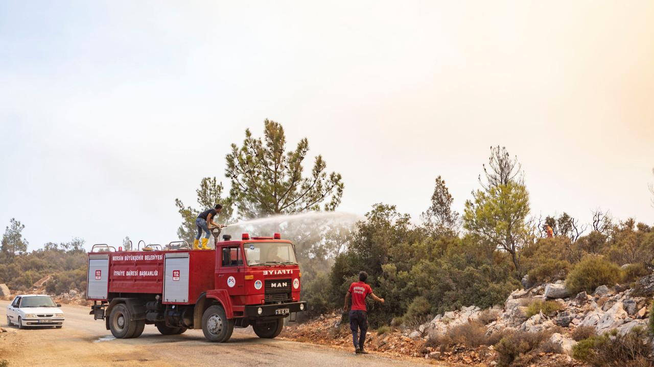 Mersin Büyükşehir tüm ekipleri ile yangın bölgesinde seferber oldu