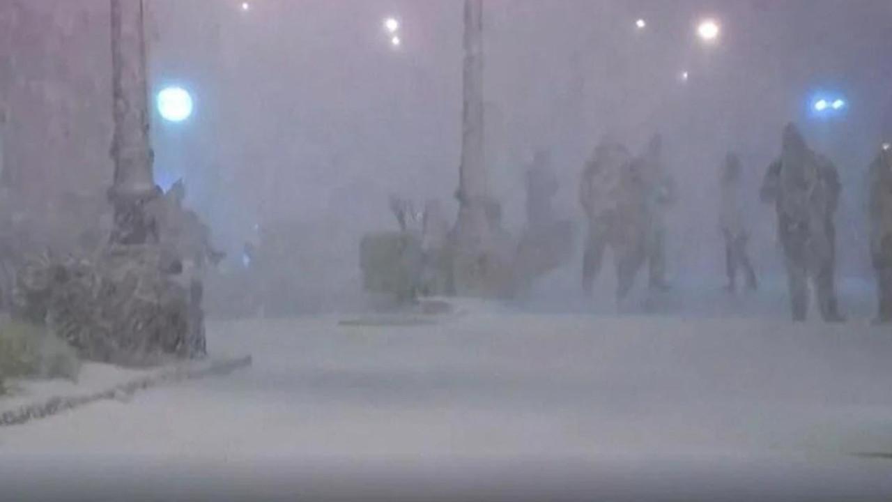 Görülmemiş hava olayı: ''62 yaşındayım ilk defa kar gördüm''