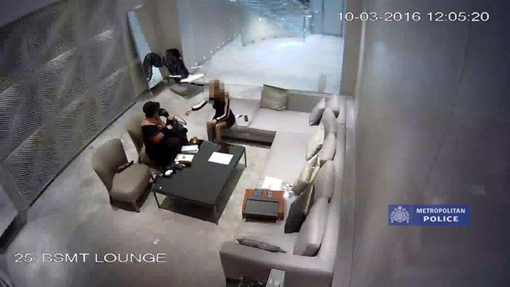 Görüşmemiş hırsızlık: 5,8 milyon dolarlık elmasları çakıl taşlarıyla değiştirdi! - Resim: 2