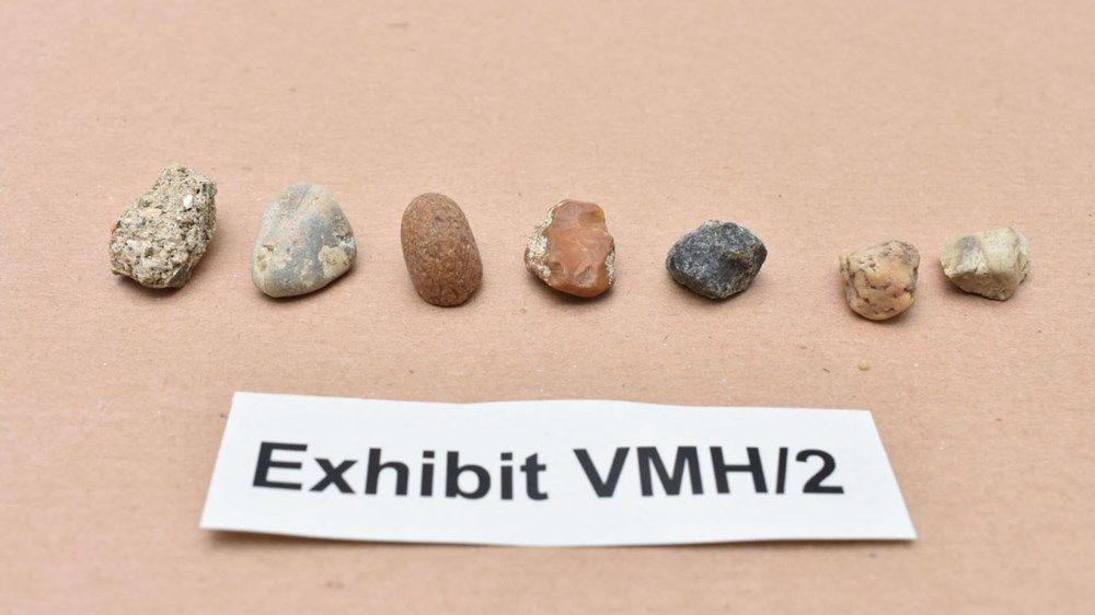 Görüşmemiş hırsızlık: 5,8 milyon dolarlık elmasları çakıl taşlarıyla değiştirdi! - Resim: 3