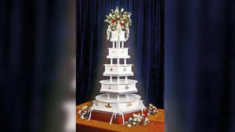 Prens Charles ve Diana'nın düğün pastası 40 yıl sonra satışa çıktı - Resim: 2