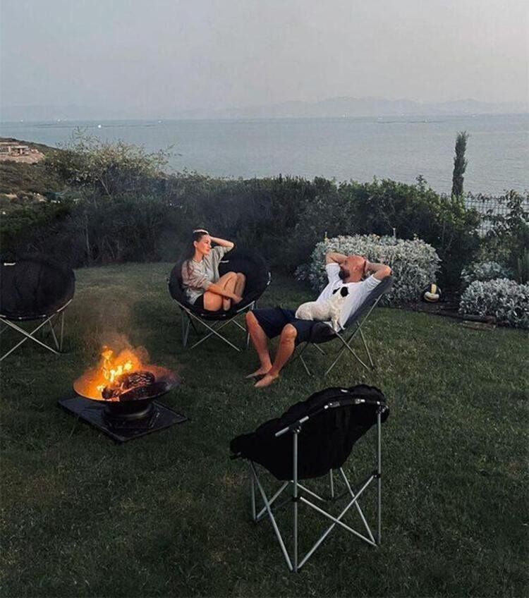Yasemin Özilhan ile İzzet Özilhan da karavan modasına uydu - Resim: 2