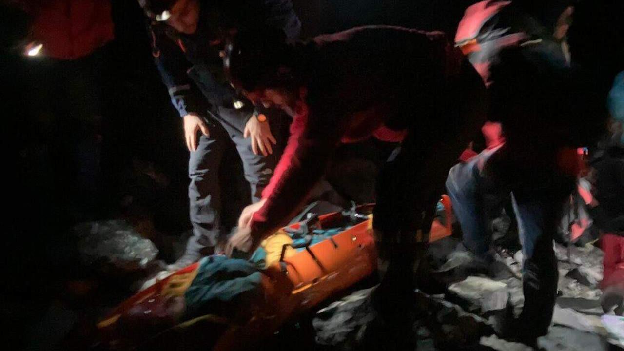 Rize'de mahsur kalan 2 dağcıdan 33 saat sonra güzel haber