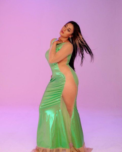 Gelin adayı Solmaz'ın transparan kıyafeti sosyal medyayı salladı - Resim: 4