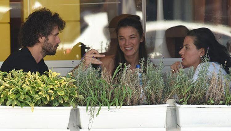 Genç aşıklar Pınar Deniz ve Yiğit Kirazcı ilk kez el ele görüntülendi - Resim: 1