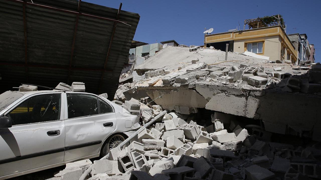 Gaziantep'te yeni yapılan 5 katlı bina çöktü