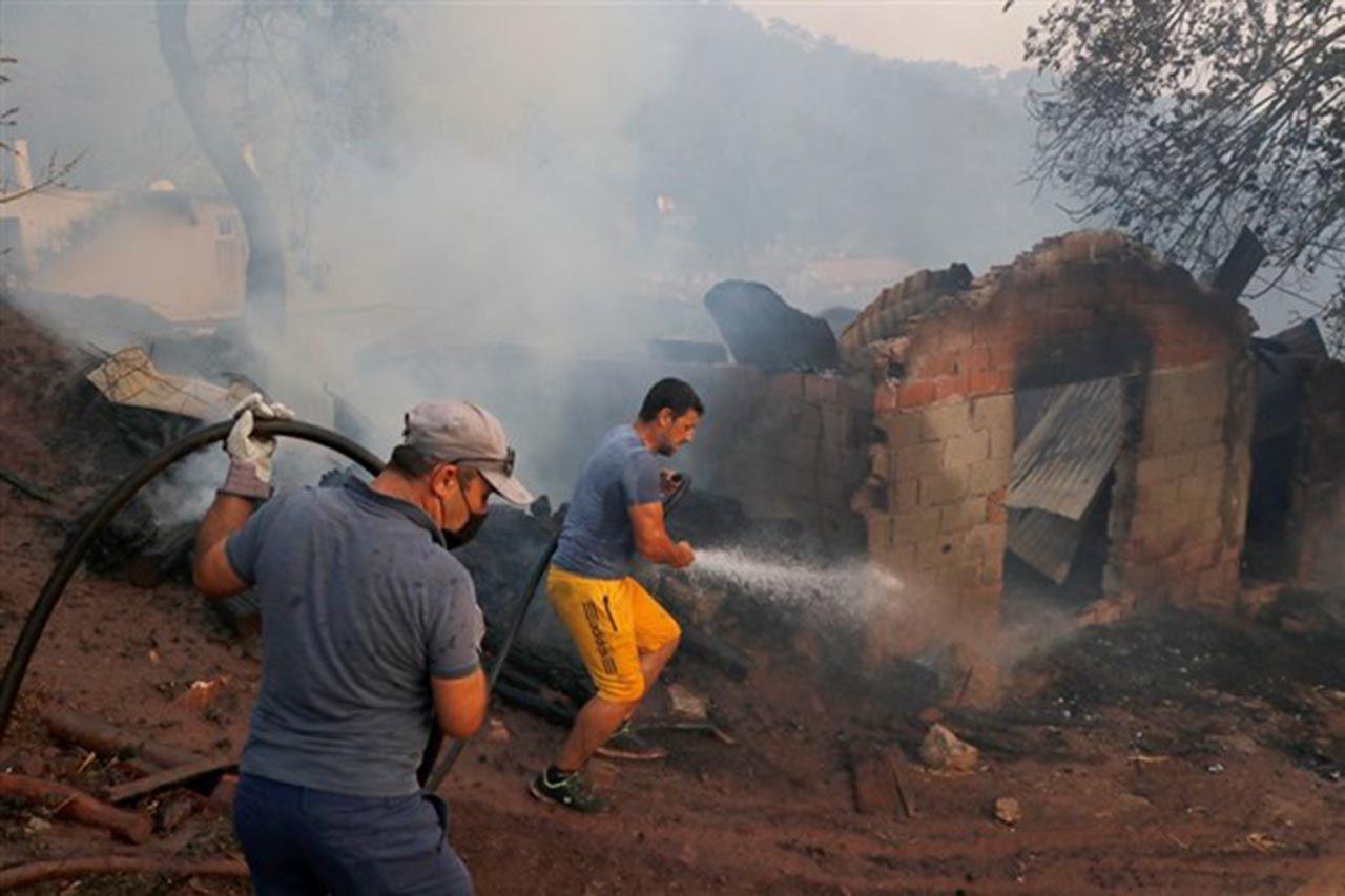 Korkulan oldu! Marmaris'te alevler yerleşim yerine ulaştı - Resim: 2