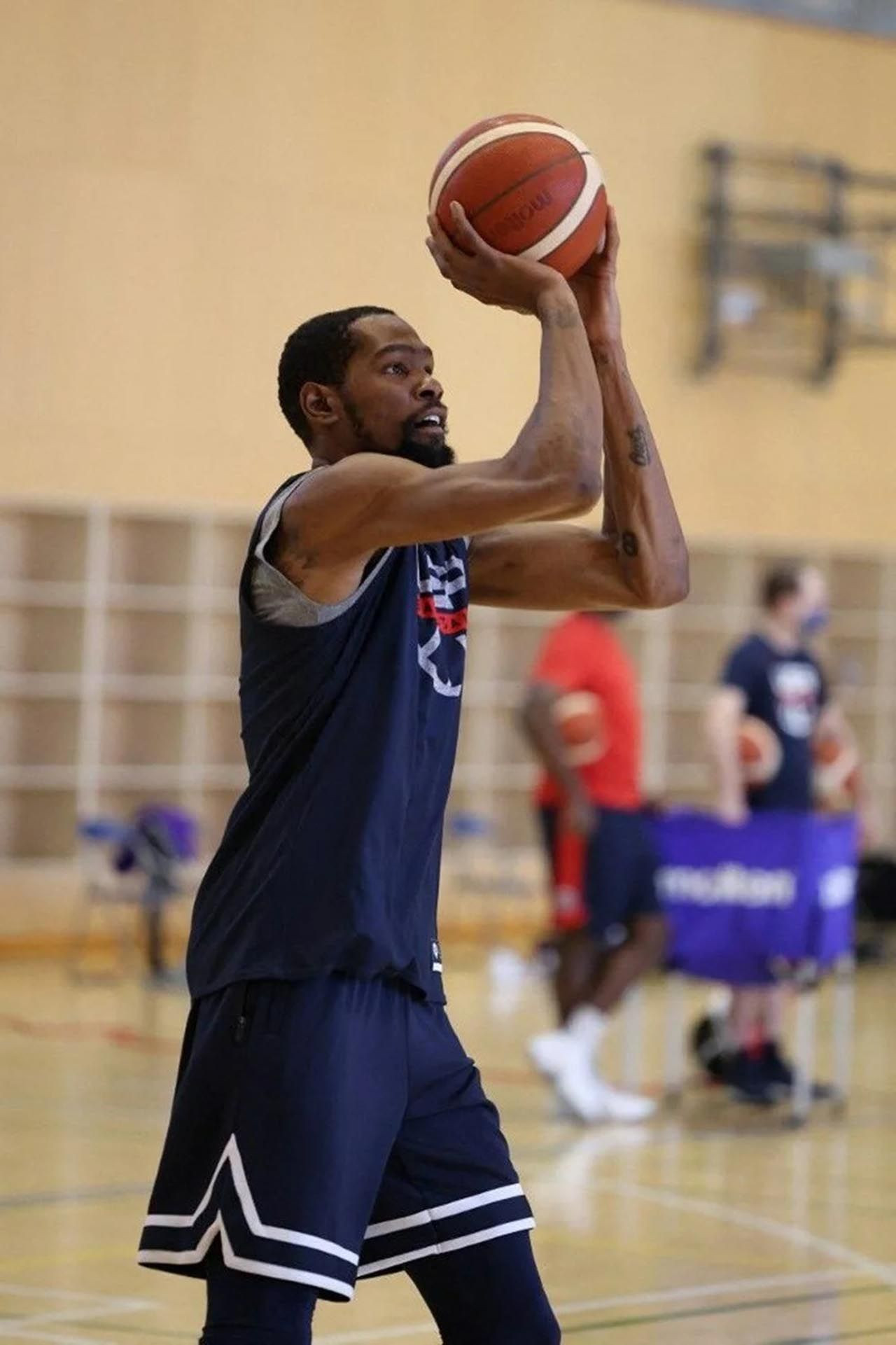 NBA yıldızı, milli voleybolcu Zehra Güneş'i takibe aldı - Resim: 4