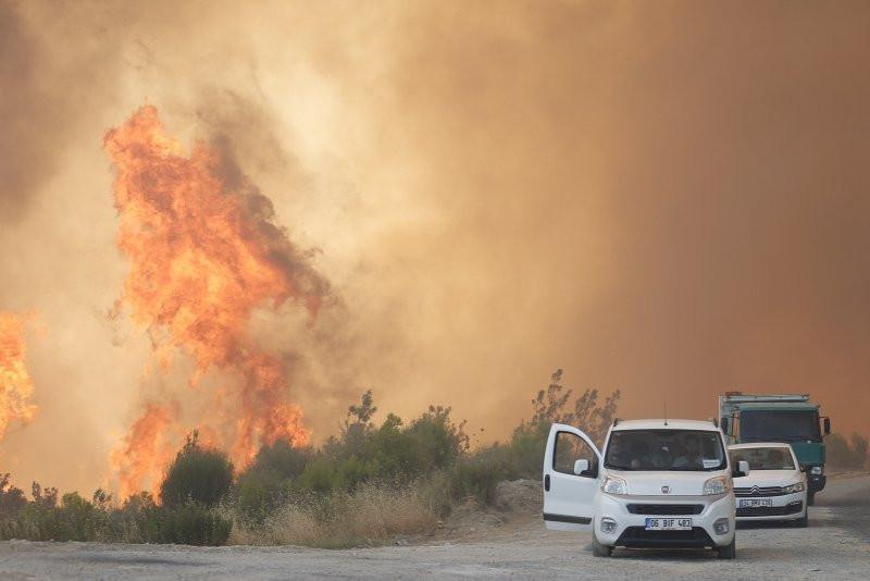 Manavgat'taki orman yangınında asker polis bu 2 kişinin peşinde