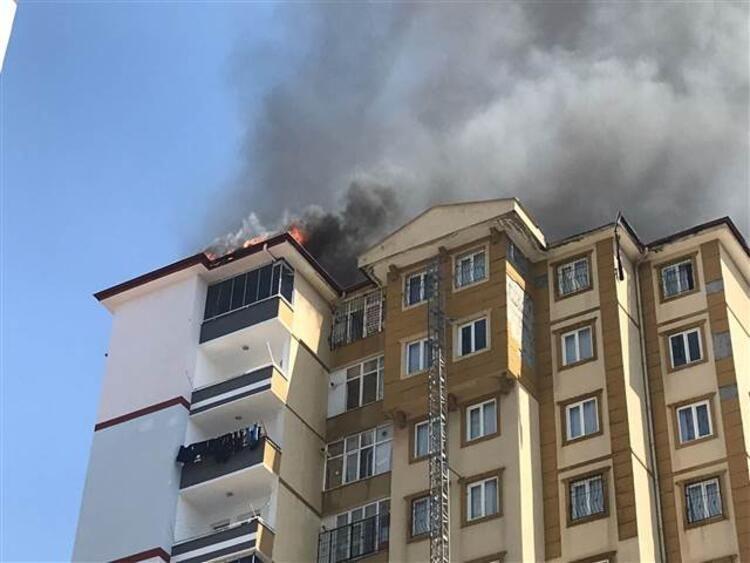 Gaziantep'te 13 katlı binada yangın çıktı - Resim: 4