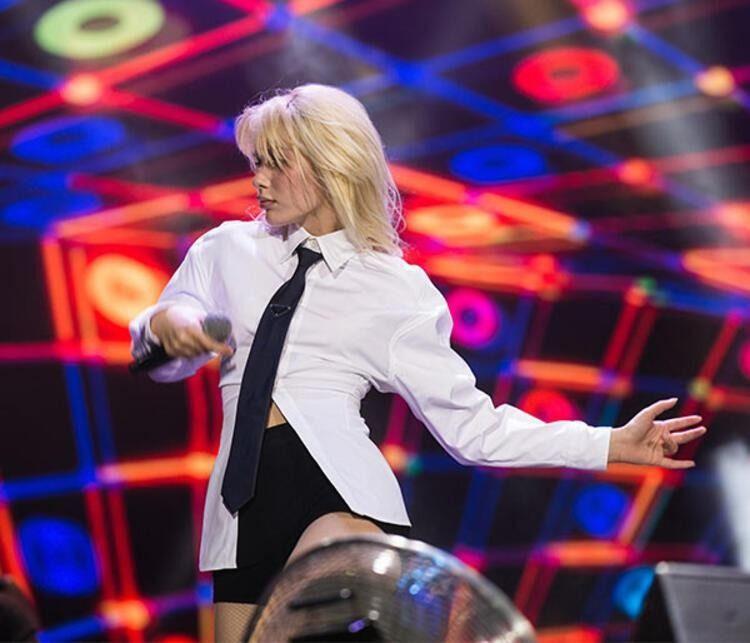 Aleyna Tilki: Dimdik ayakta kaldığımızı tüm dünyaya gösterelim - Resim: 2