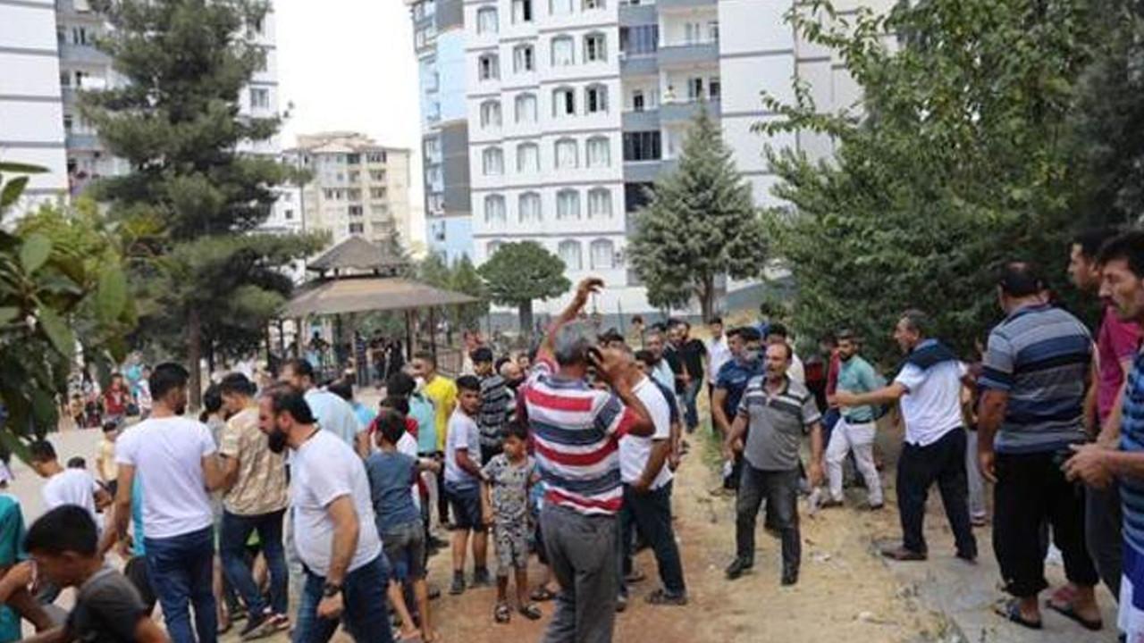 Gaziantep'te 13 katlı binada yangın çıktı