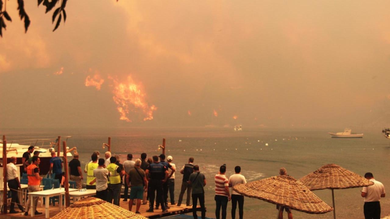 Muğla'nın cennet koyunu ''Deli Mehmet'' yaktı: Plaj ve tesisler kapatıldı