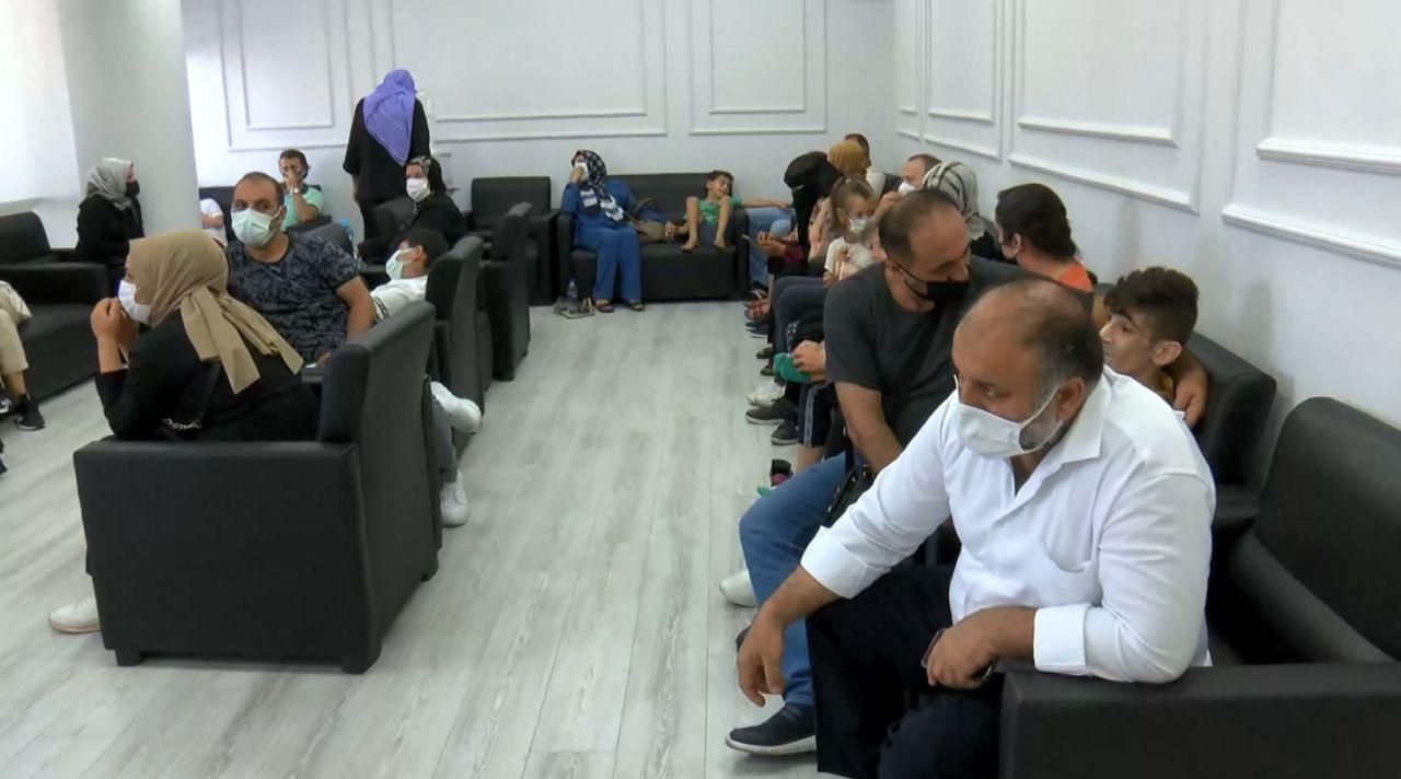 İstanbul'da dayakla ''tedavi'' eden umut tacirine baskın - Resim: 3