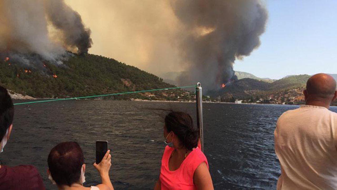 Muğla'nın cennet koyunu ''Deli Mehmet'' yaktı: Plaj ve tesisler kapatıldı - Resim: 2