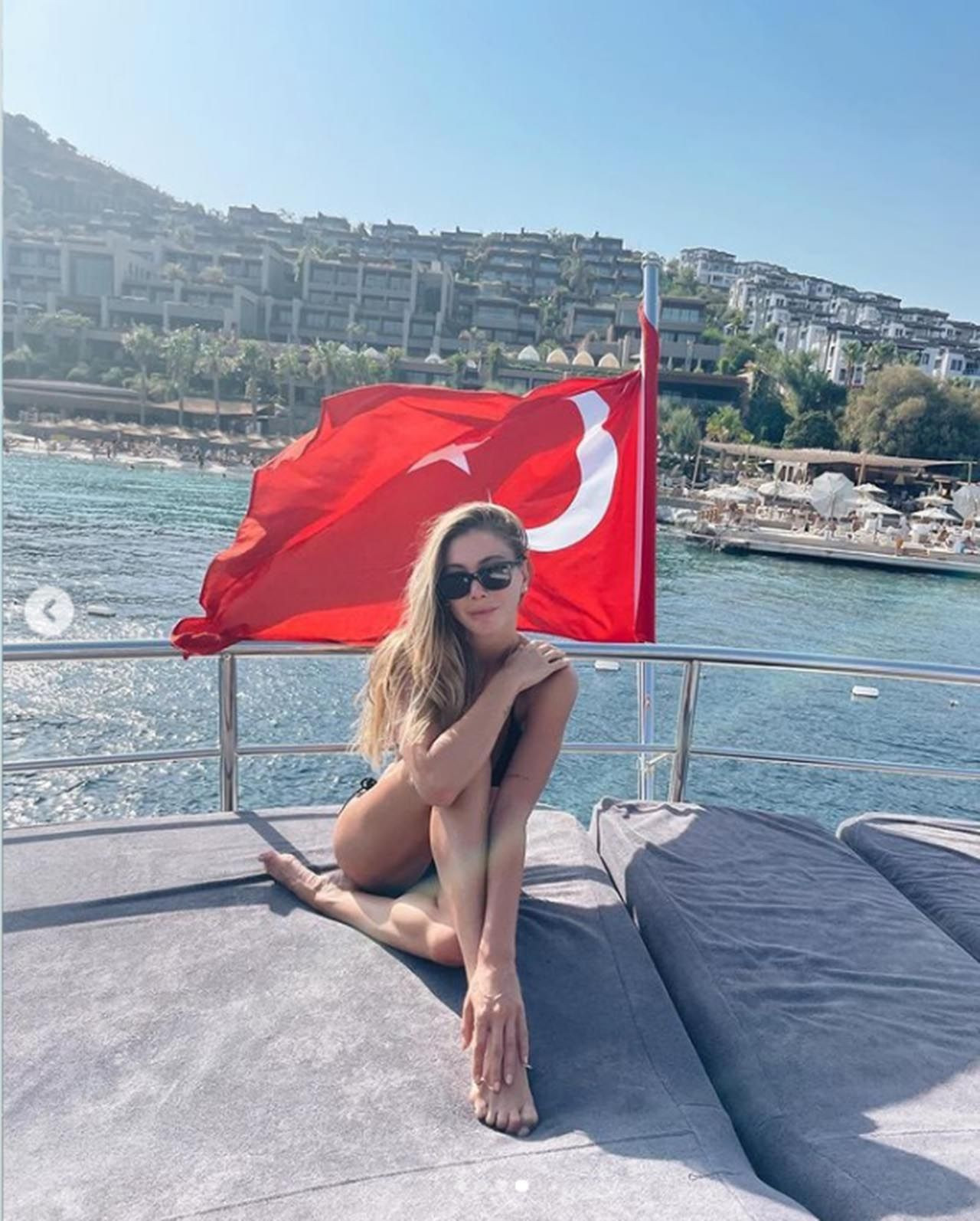 Bodrum'da tekne tatili yapan Şeyma Subaşı'nın savunması pes dedirtti! - Resim: 4