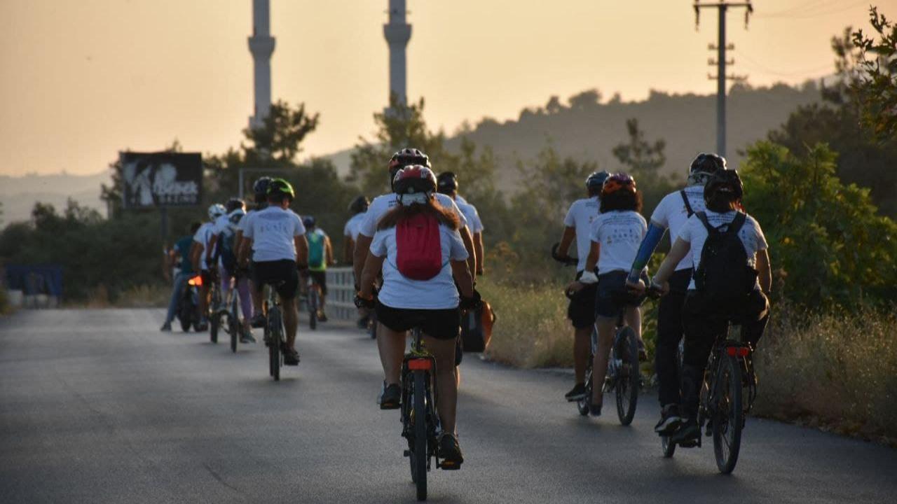 Engelsiz bisikletliler Edremit'te pedal çevirdi
