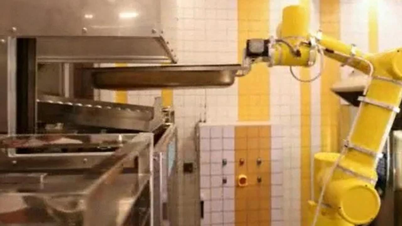 Çin'de yapay zekalı restoran açıldı