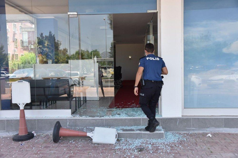 Üniversiteli Azra'nın katil zanlısının iş yerine saldırı - Resim: 1