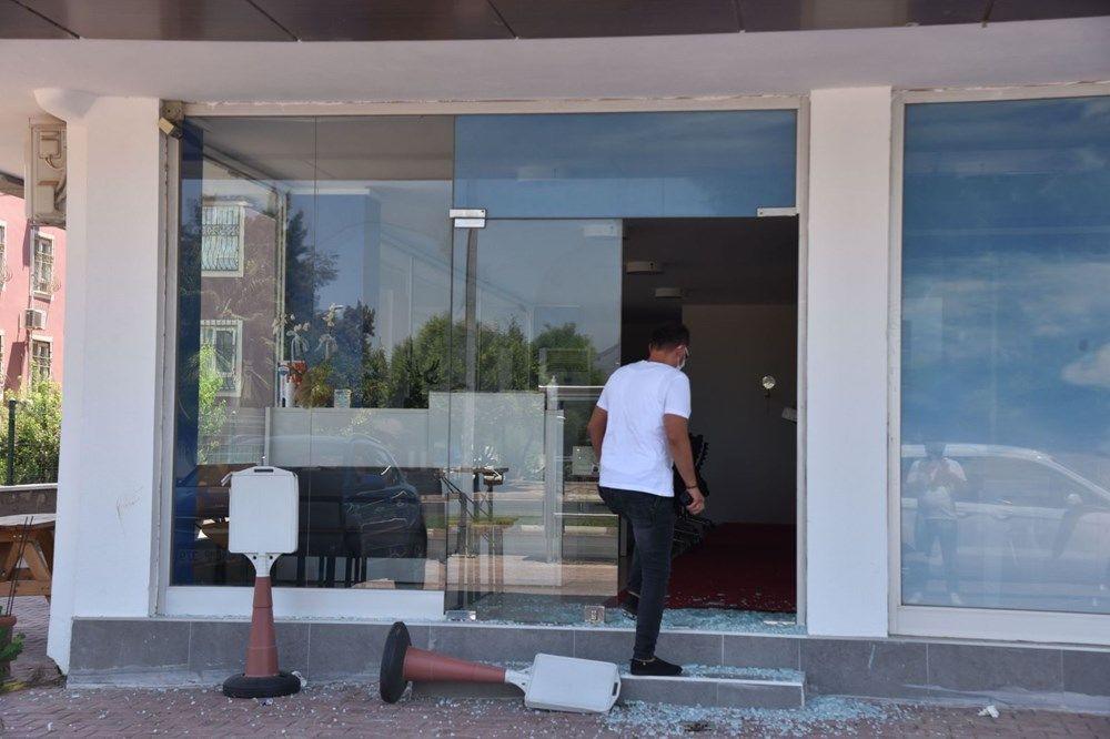 Üniversiteli Azra'nın katil zanlısının iş yerine saldırı - Resim: 2