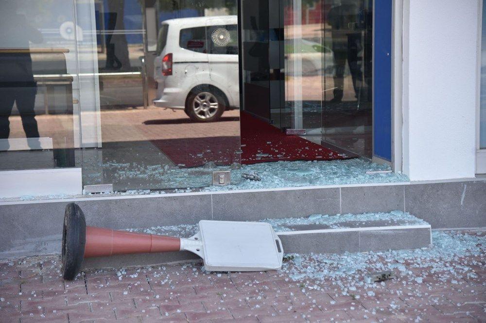 Üniversiteli Azra'nın katil zanlısının iş yerine saldırı - Resim: 3