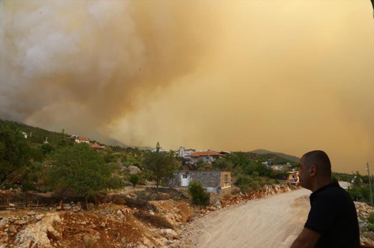 Alevlerle mücadelede 8'inci gün: 13 noktada yangın devam ediyor - Resim: 4
