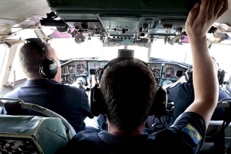 Yabancı yangın söndürme uçağı pilotlarının zorlu mesaisi kamerada