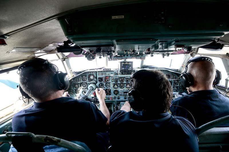 Yabancı yangın söndürme uçağı pilotlarının zorlu mesaisi kamerada - Resim: 4