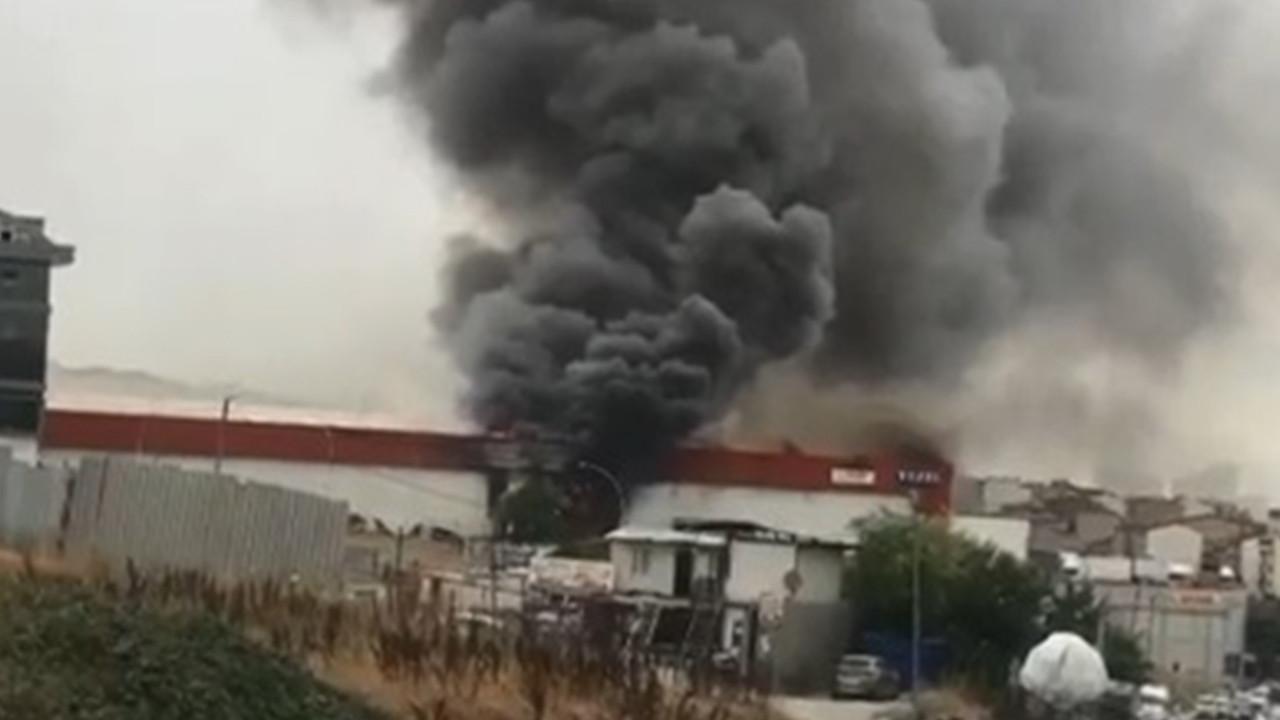İstanbul'da yangın paniği: Dumanlar gökyüzünü kapladı