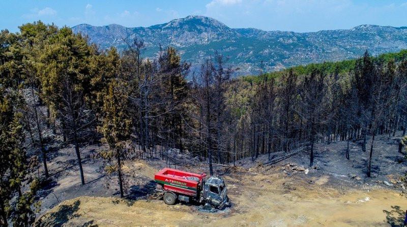 Orman yangınlarında 2 evladımız bu aracın içinde şehit oldu