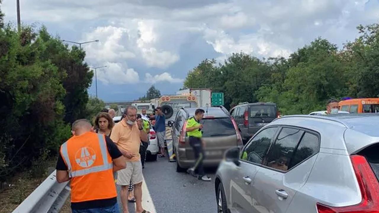 TEM'de peş peşe kaza: 15 araç birbirine girdi