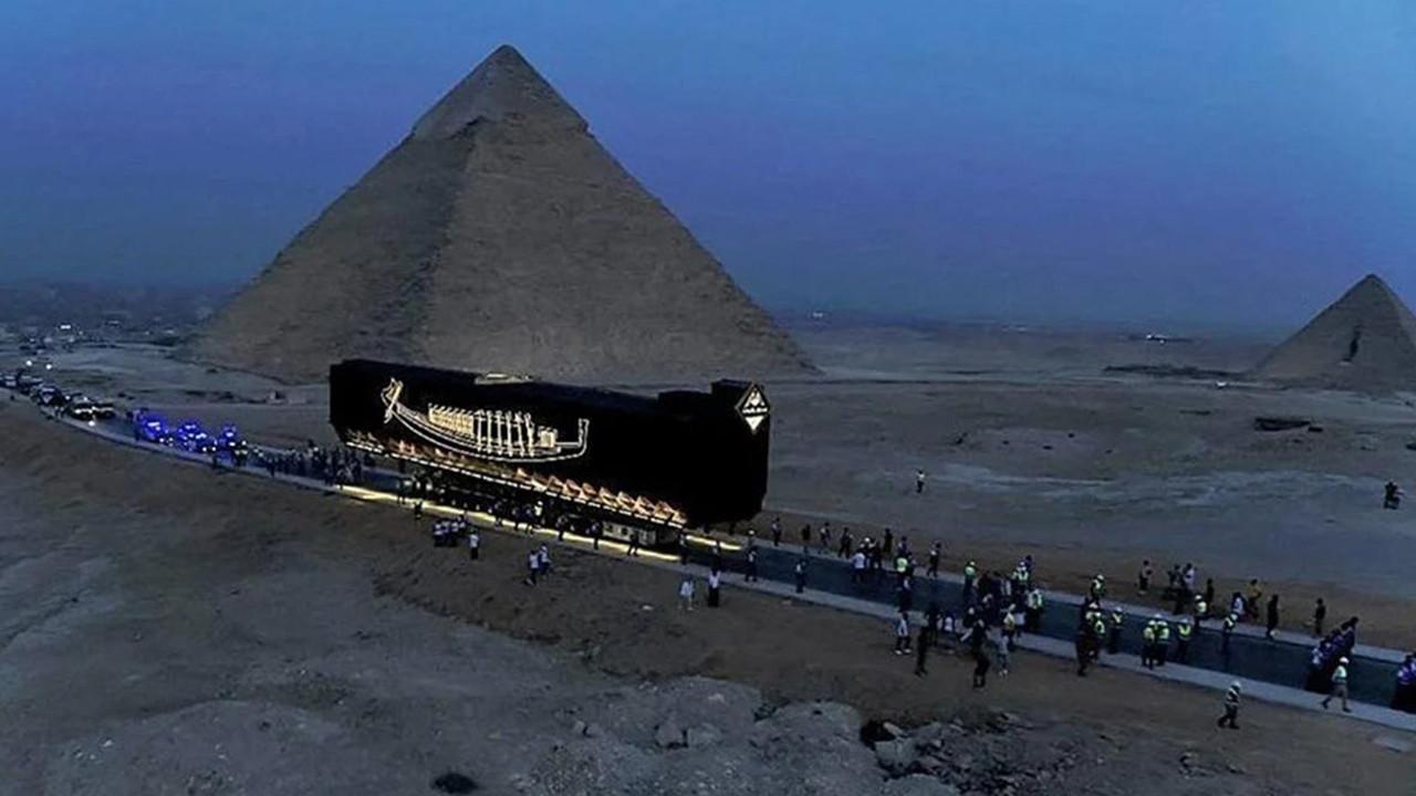 Tarihin en eskisi: Mısır Firavunu Keops'un gemisi yeni evine taşındı