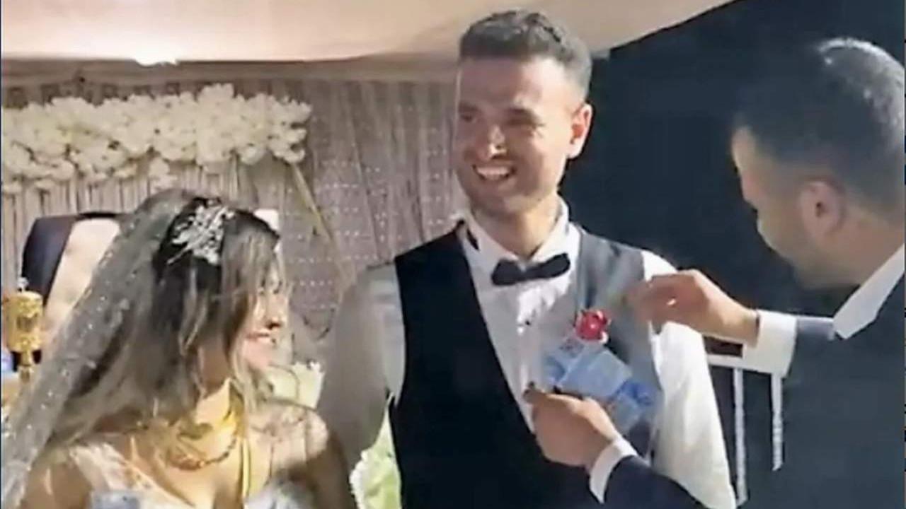 Düğünde damada altın yerine Bitcoin taktılar