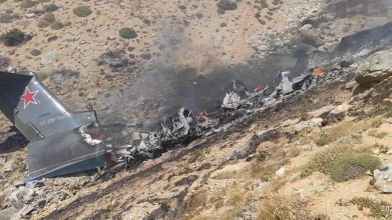 8 kişiye mezar olan uçağın enkazından ilk görüntüler