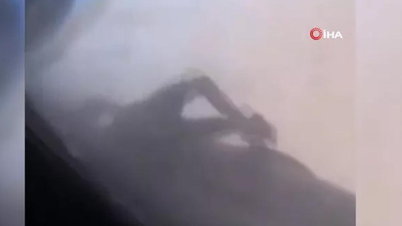 Afganistan'dan uçağın kanadına tutunarak kaçmaya çalışan kişinin cansız bedeni görüntülendi