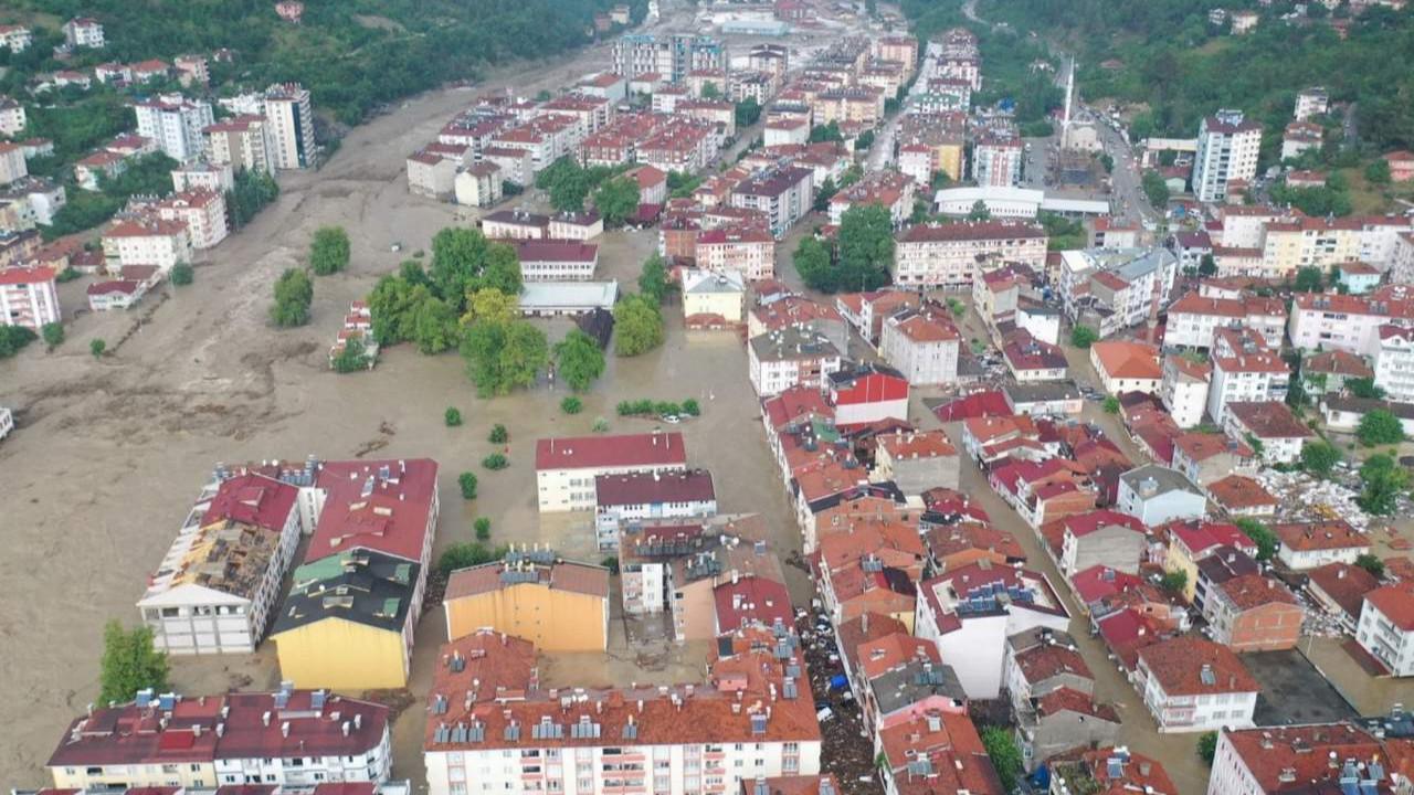 Kastamonu'nu vuran sel felaketinden birkaç dakika öncesi görüntülendi