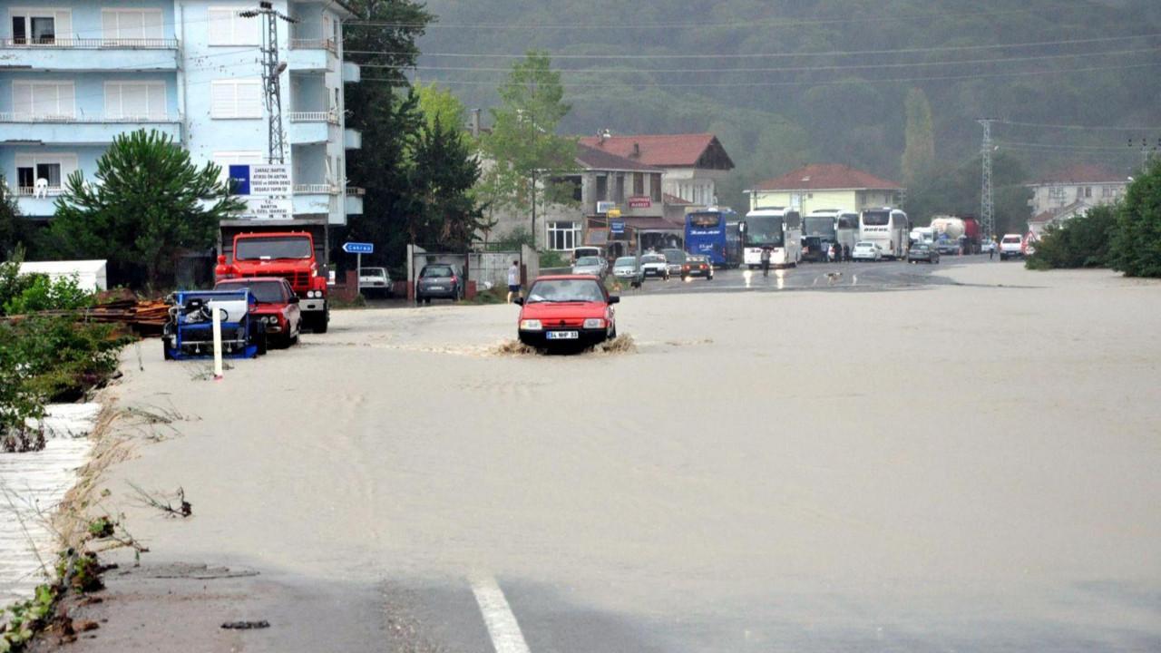Meteoroloji'den iki bölge için ani yağış ve sel uyarısı