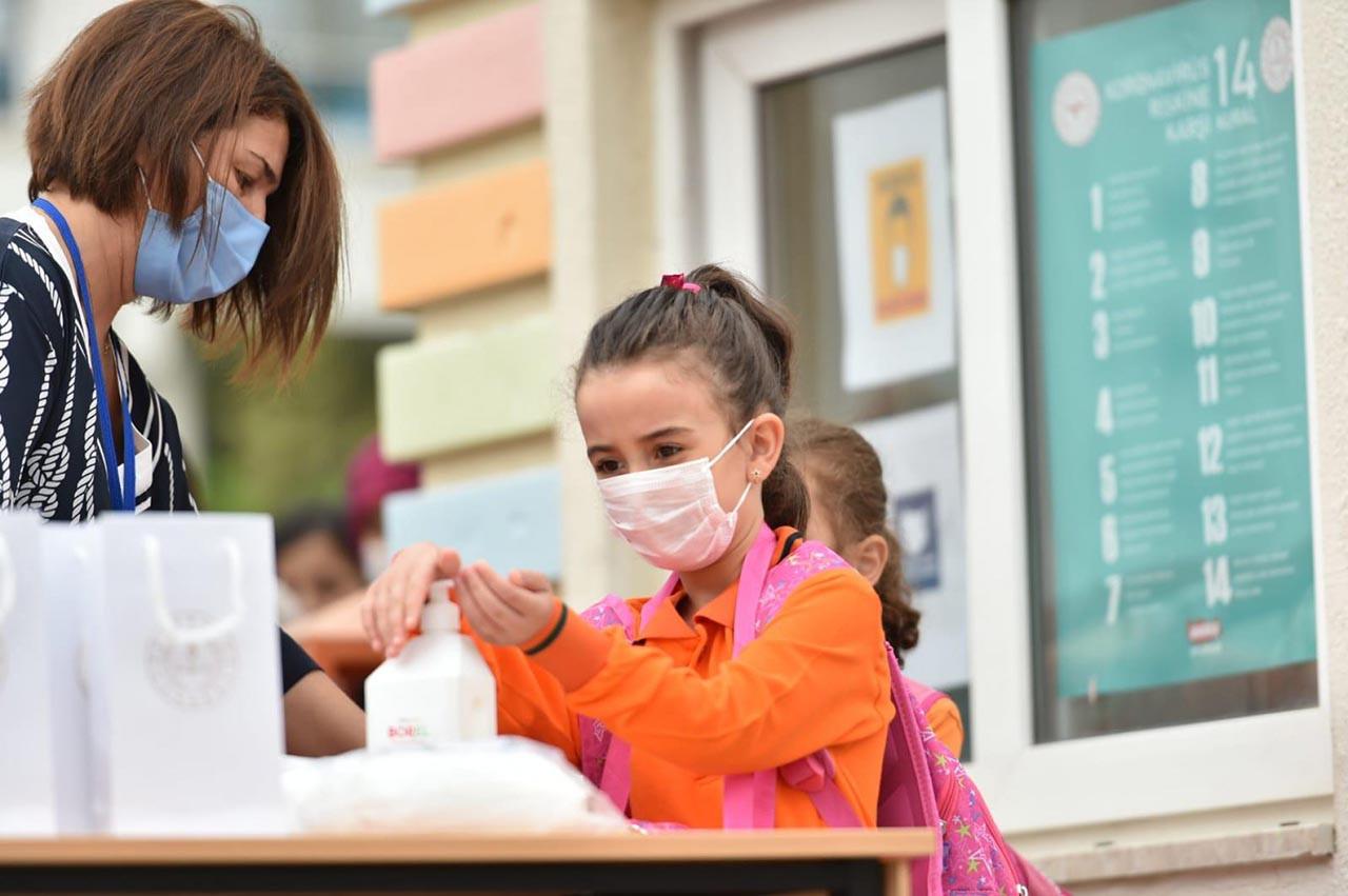 İstanbul okulların açılacağı 6 Eylül'e hazır... İBB yeni kararları açıkladı
