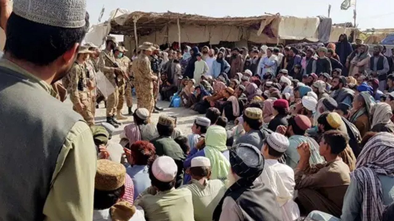 AB'den Taliban'a çağrı: İzin verin