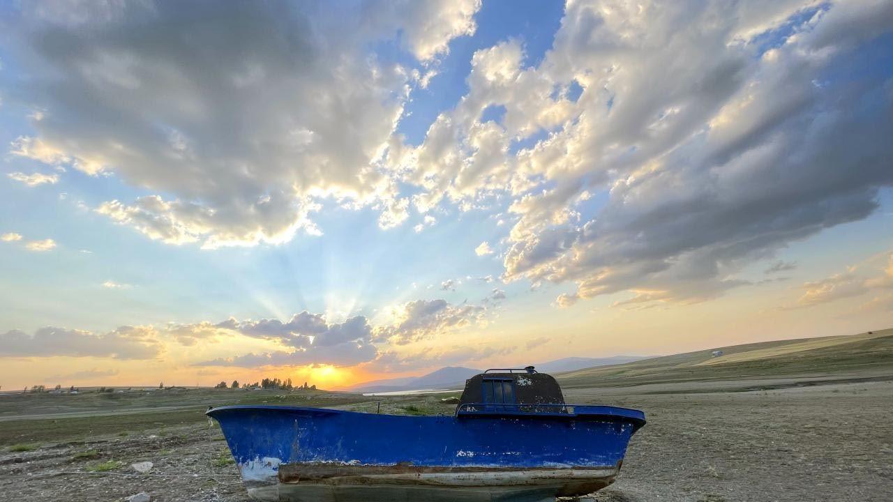 Sular çekildi, tekneler karaya oturdu - Resim: 1