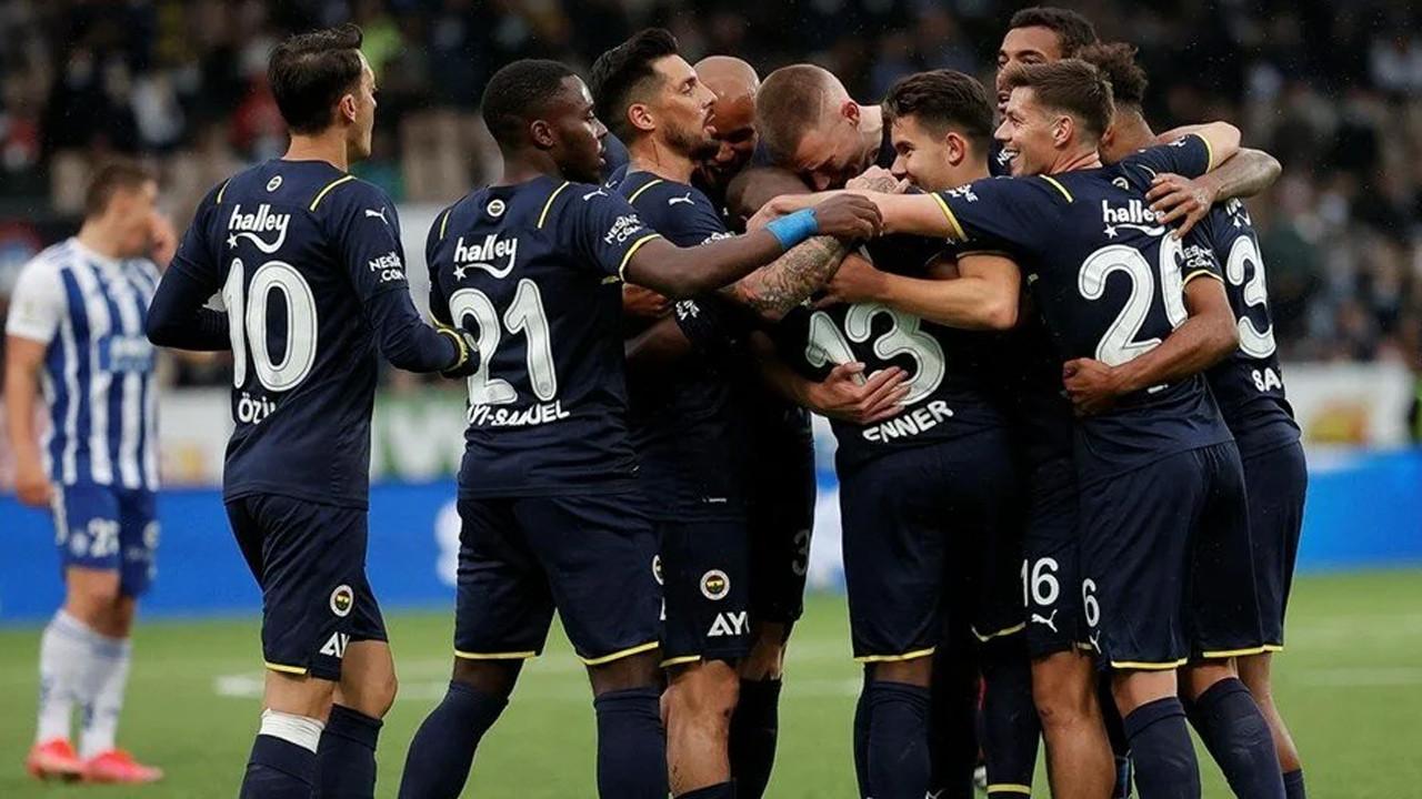 Fenerbahçe'den bol gollü galibiyet: UEFA Avrupa Ligi'nde gruplardayız