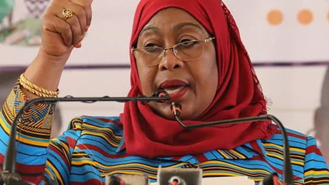 Tanzanya Devlet Başkanı: Kadın futbolcuların göğüsleri küçük ve çekici değil